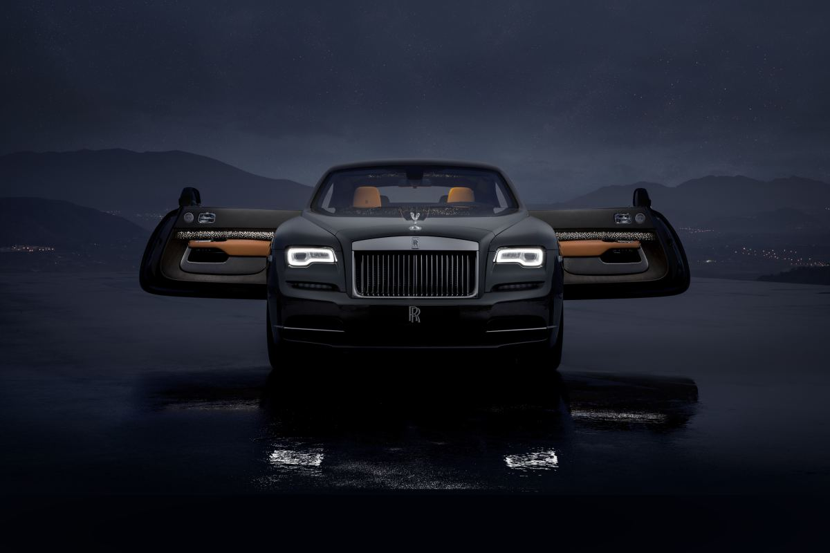 Led Lights For Cars >> Rolls-Royce's latest Wraith features a roof with shooting ...