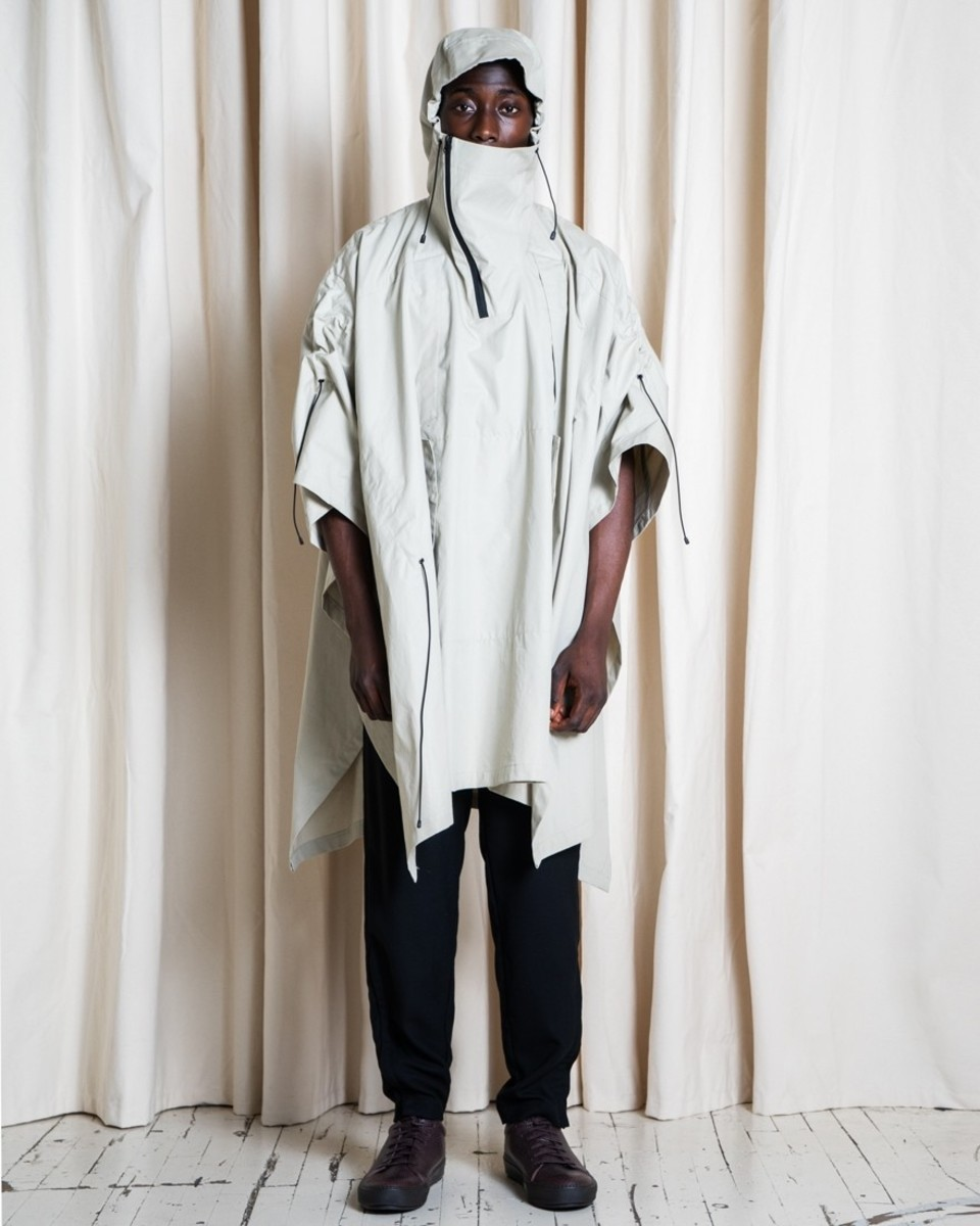 301-outlier-supermarinesunchannelponcho-fit-front-hoodup