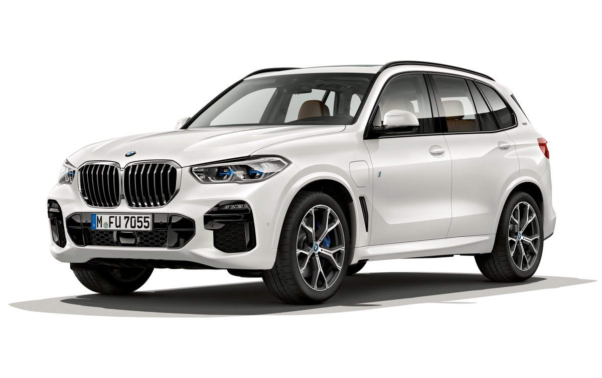 the latest bmw x5 iperformance gets a boost in range and. Black Bedroom Furniture Sets. Home Design Ideas