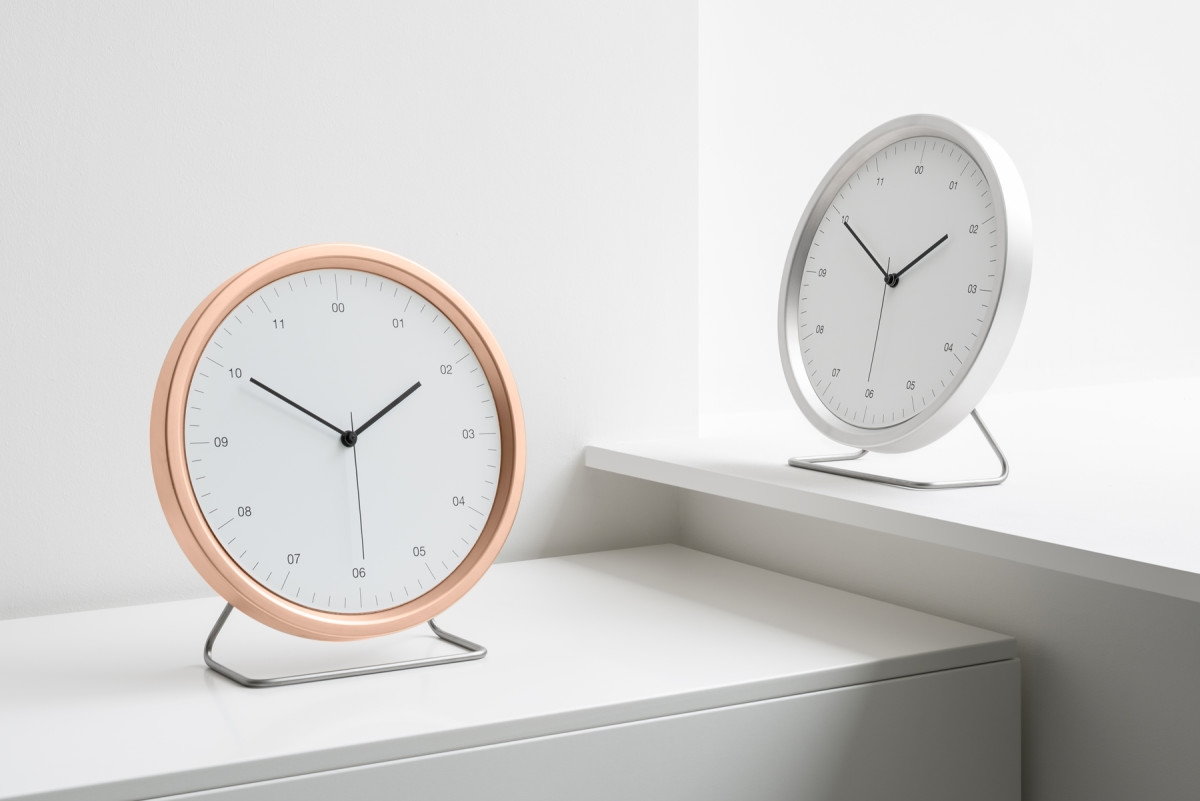Instrmnt goes jumbo yet minimal with a new home clock