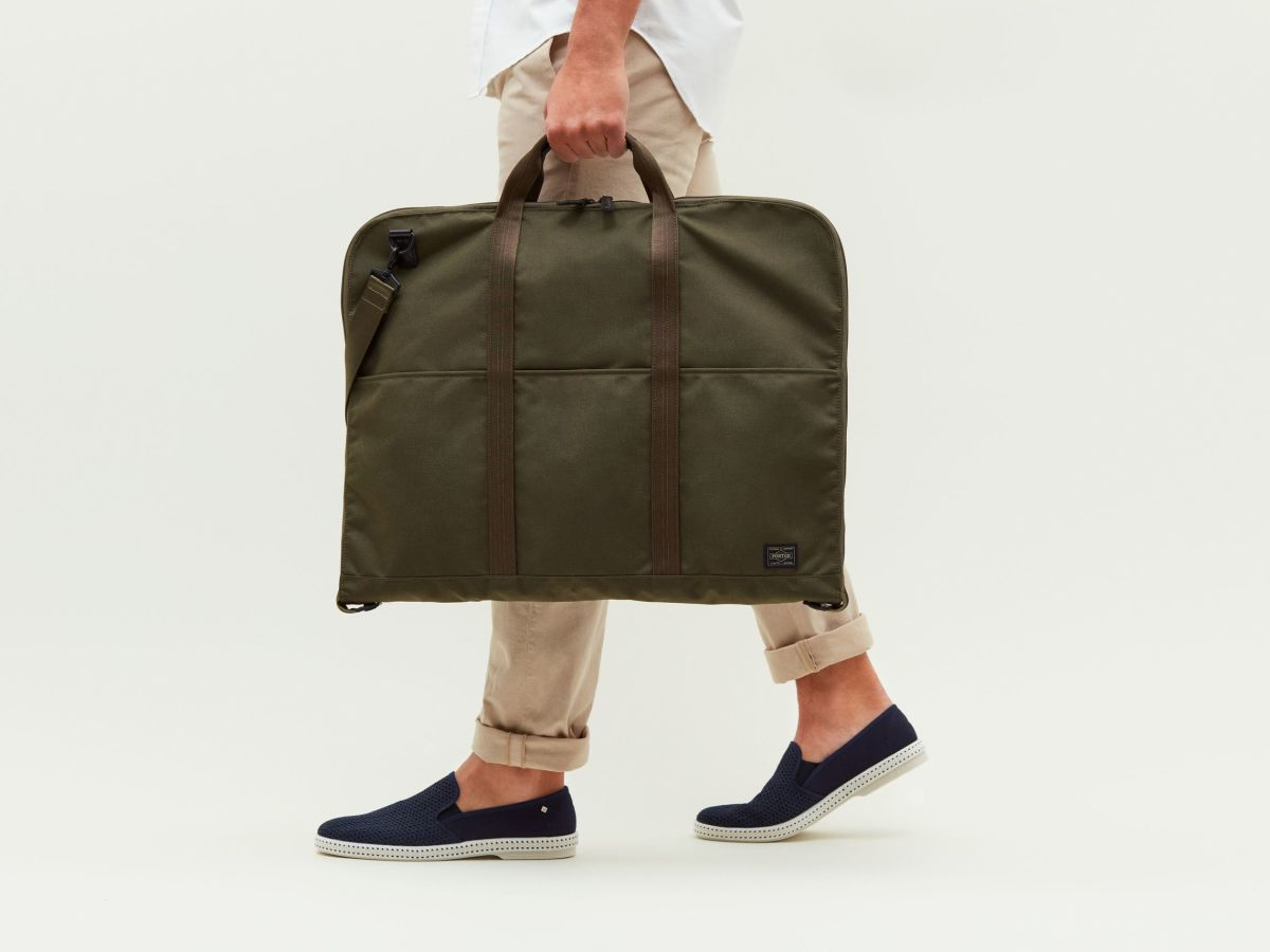 Porter's Suit Bag ensures that your tailored two-piece ...