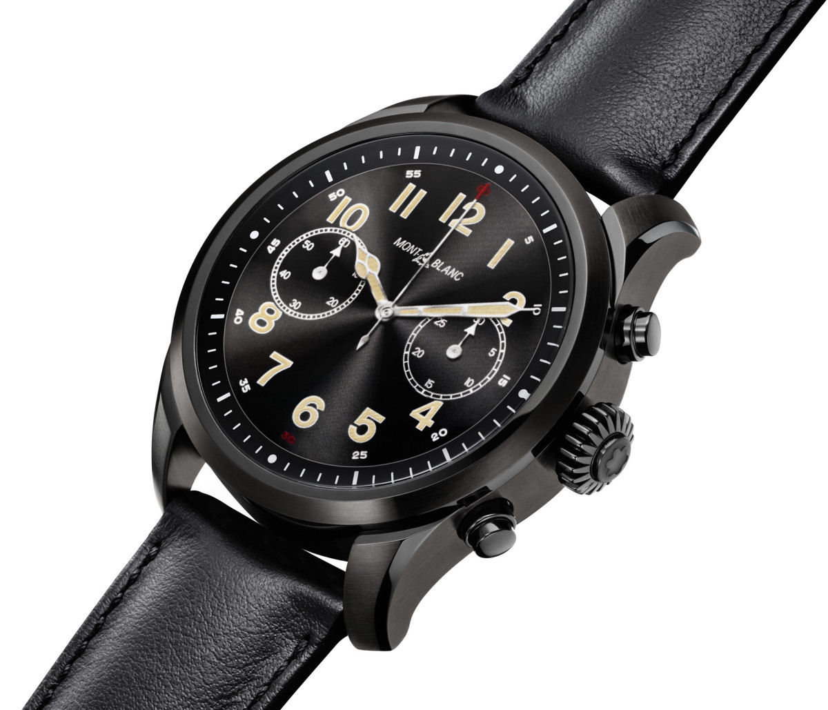 Montblanc_Smartwatch_blacksteel_side_blackcalf