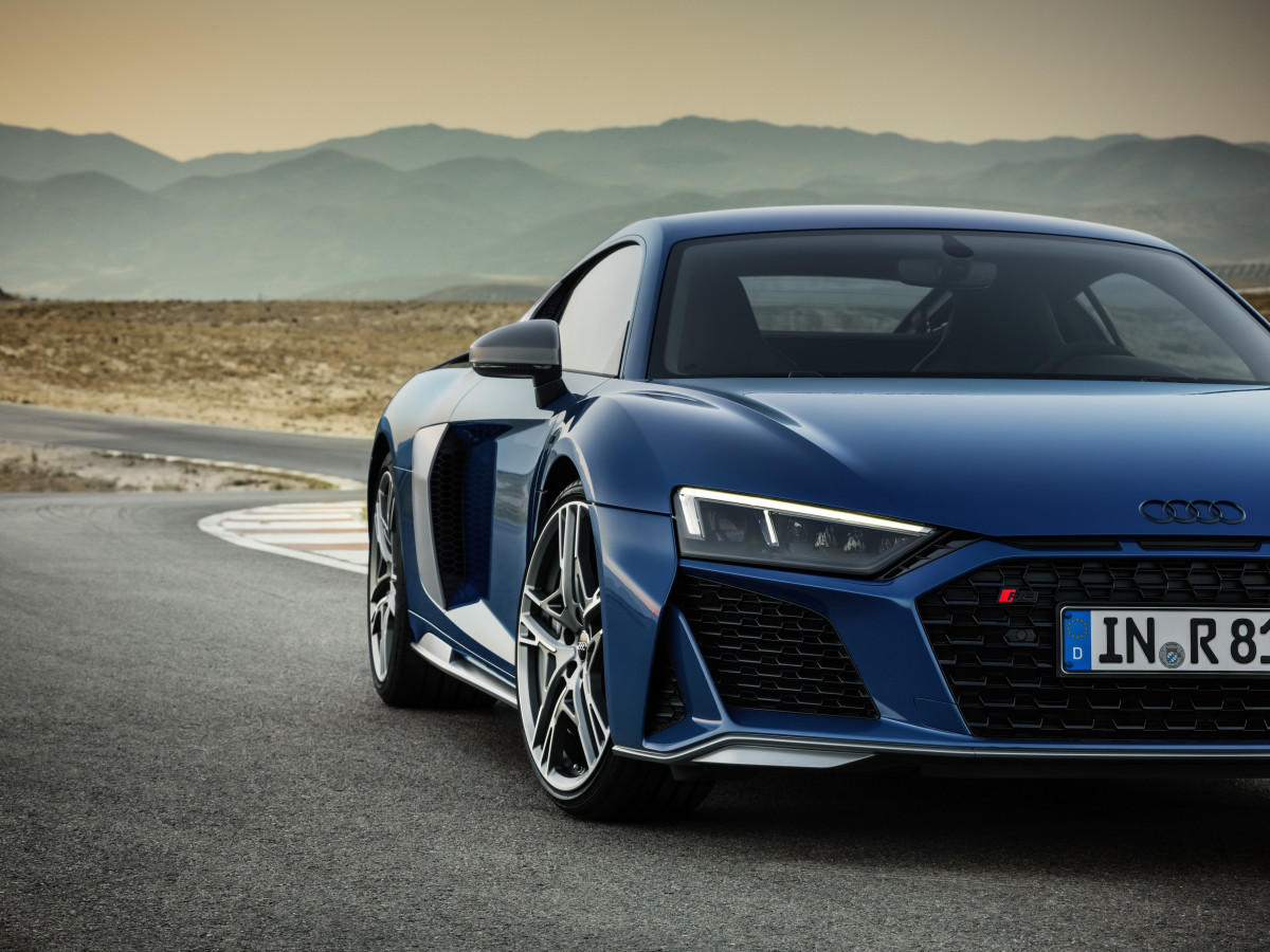 the 2019 audi r8 gets a new face and even more power acquire. Black Bedroom Furniture Sets. Home Design Ideas