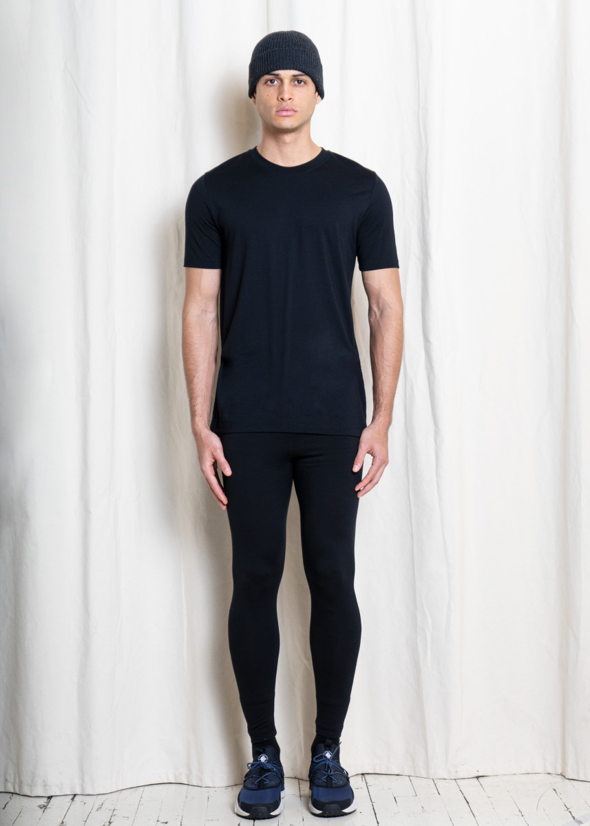 OUTLIER_Gostwyck_Single_Origin_Merino_T-Shirt_04