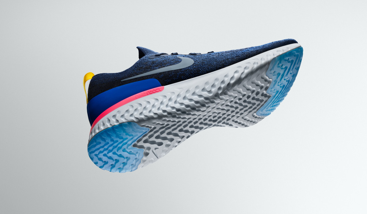 Nike Epic React Flyknit Running