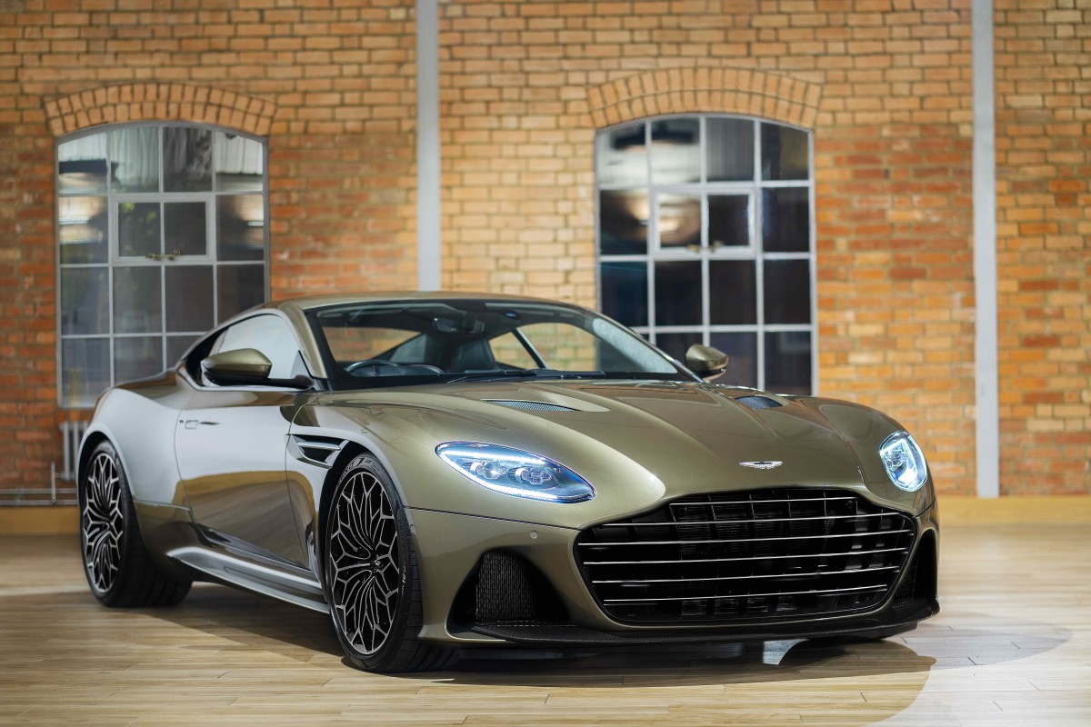 Aston Martin On Her Majesty's Secret Service DBS