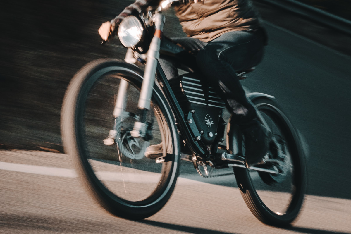 Vintage Electric S Powerful New Bike Has 75 Miles Of Range