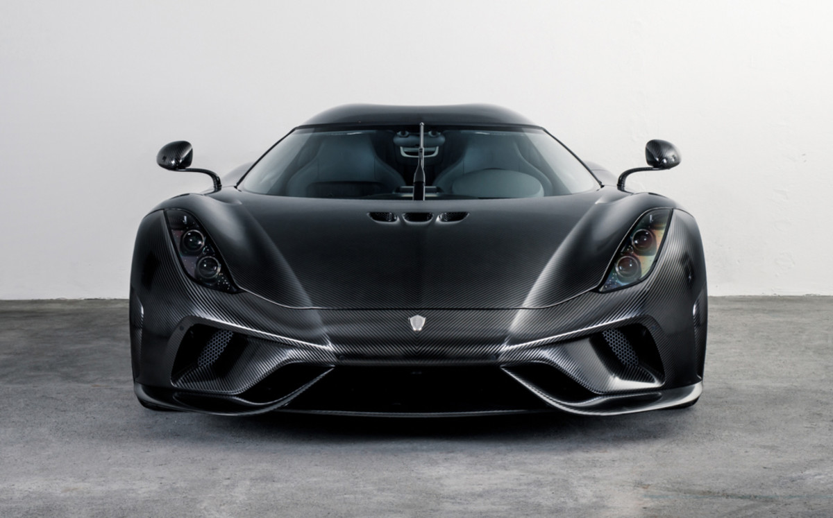 Koenigsegg completes their first Regera in Koenigsegg Naked Carbon
