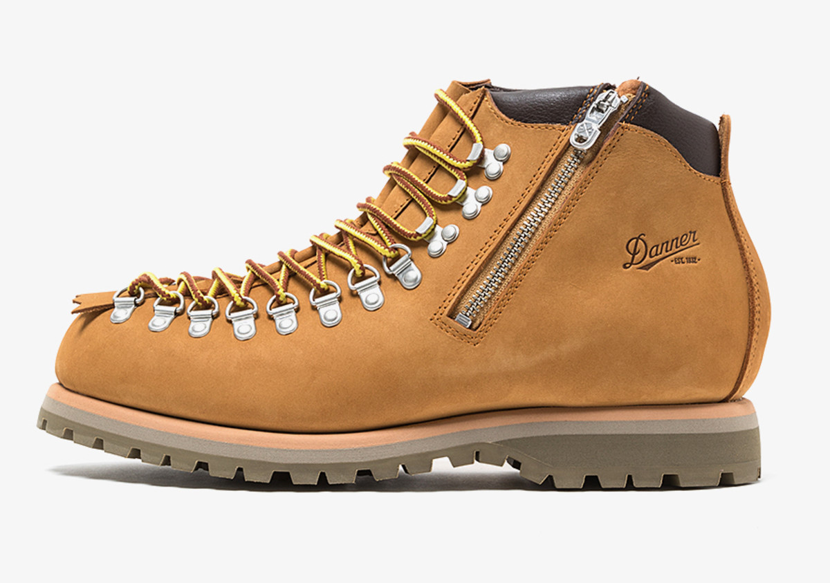 White Mountaineering x Danner Lace to Toe Boot