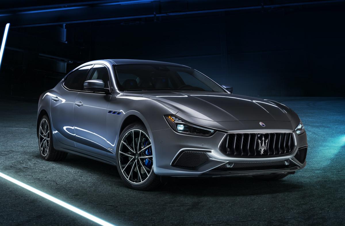 16676-MaseratiGhibliHybrid