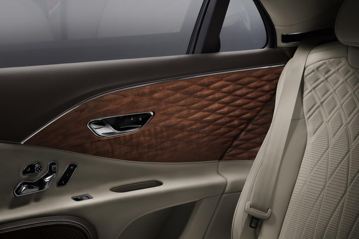 Bentley Flying Spur 3D Wood