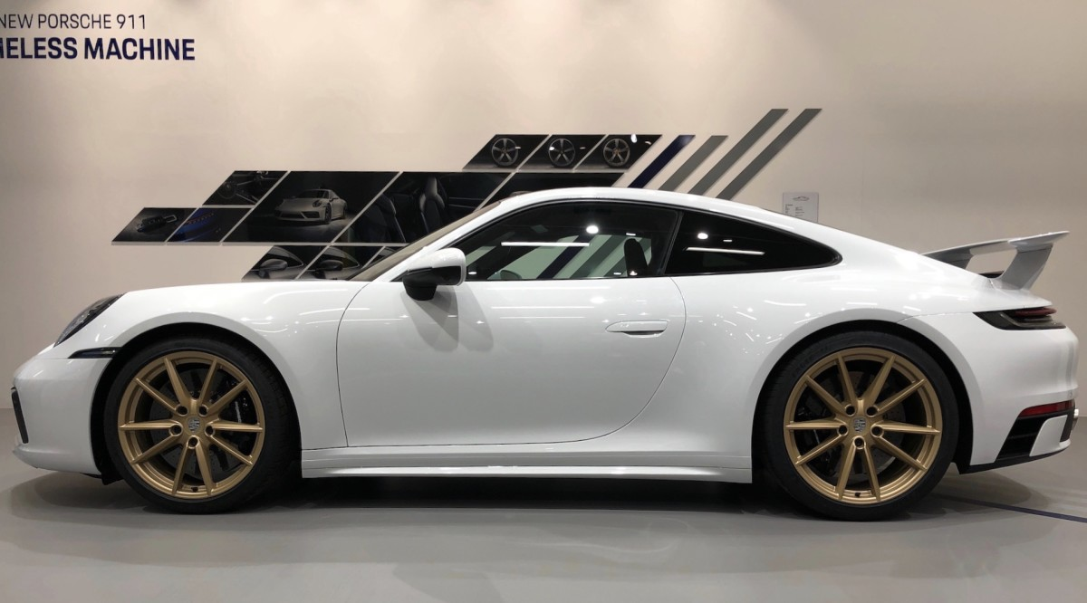 Porsche introduces its new SportDesign package and Aerokit for the new 911