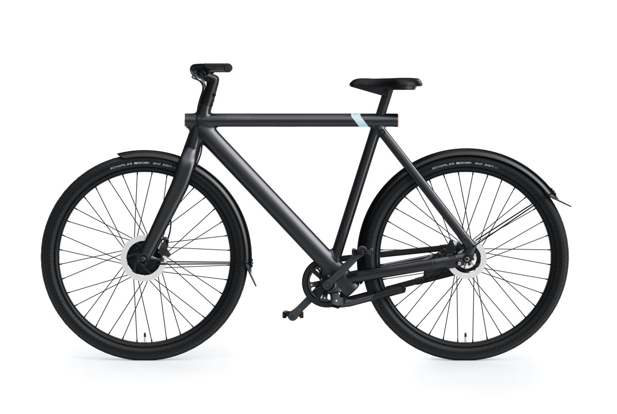 VanMoof S3 and X3