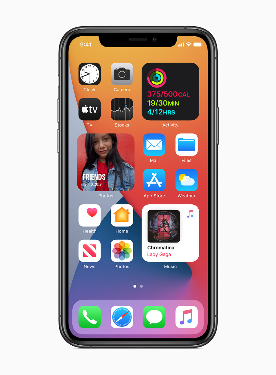 Apple_ios14-widgets-redesigned_06222020