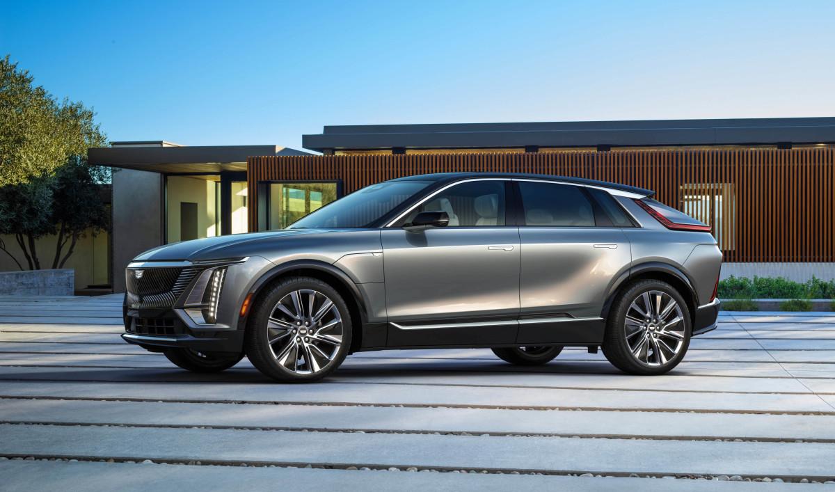 2023-Cadillac-LYRIQ-002 copy