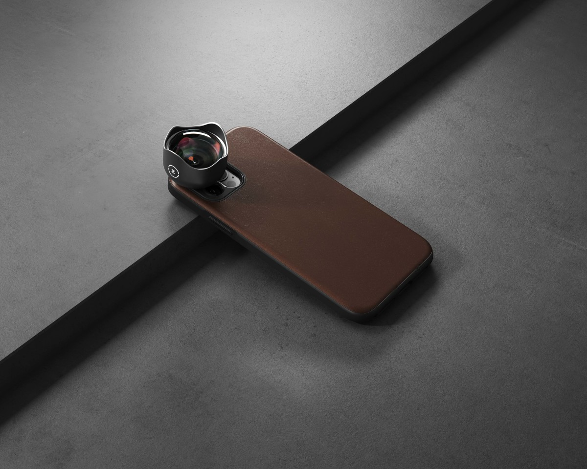 Nomad x Moment iPhone 12 Case