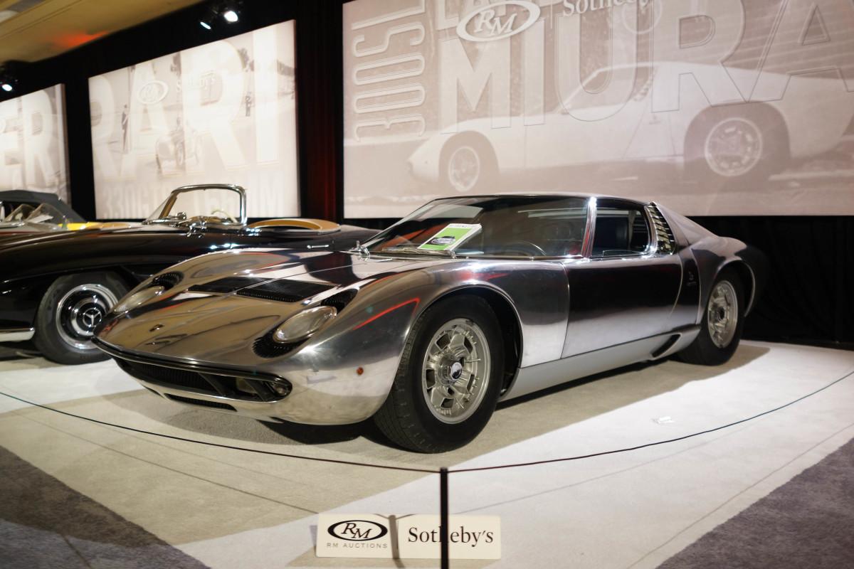 1971 Lamborghini Miura P400 S by Bertone, sold for$2,095,000.