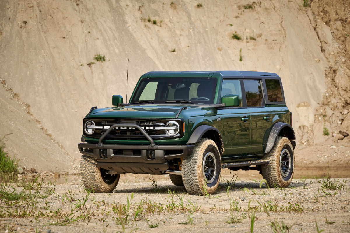 Ford Bronco in Eruption Green